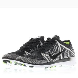 Nike Free TR Flyknit Womens Size Running Shoes